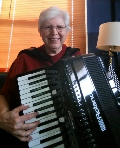 Pat and her new Roland FR 4X Virtual Accordion